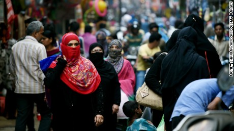 Triple talaq: 1 million Indian Muslims sign petition against divorce practice