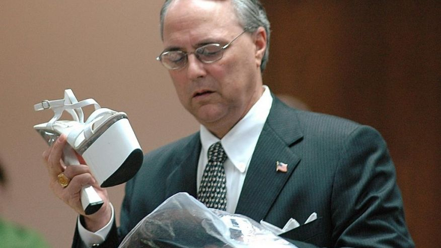 "FILE - In this April 18, 2007, file photo, defense attorney Steve Farese Sr., speaks in Selmer, Tenn., in the trial of Mary Winkler, who was eventually convicted of voluntary manslaughter in the March 2006 shooting death of her preacher husband, Matthew Winkler. Farese is being criticized for telling a Tennessee jury that women are ""especially good"" at lying ""because they're the weaker sex."" The Memphis Commercial Appeal reports Farese made the comments during closing arguments of the trial of Mark Giannini, a wealthy businessman accused of raping a woman. Farese maintains that the sex was consensual. He told the Commercial Appeal that his job ""is not to care if anybody gets offended."