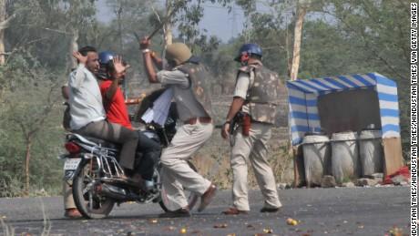 Police charge  suspected protestors in Mandsaur, June 7, 2017.