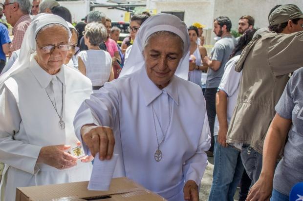 Nuns vote in Venezuela referendum