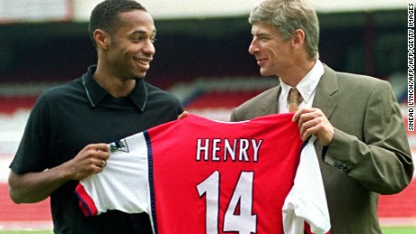 Thierry Henry signs for Arsenal
