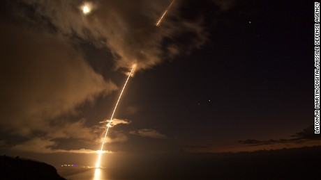 US successfully tests shooting down ballistic missile