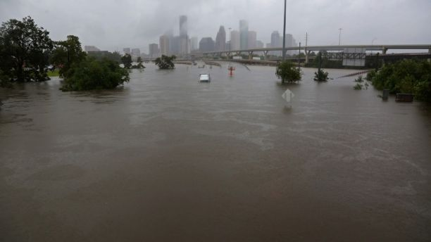 Interstate highway 45 is submerged from the effects of Hurricane Harvey seen during widespread flooding in Houston, Texas, U.S. August 27, 2017. REUTERS/Richard Carson - RTX3DKVW