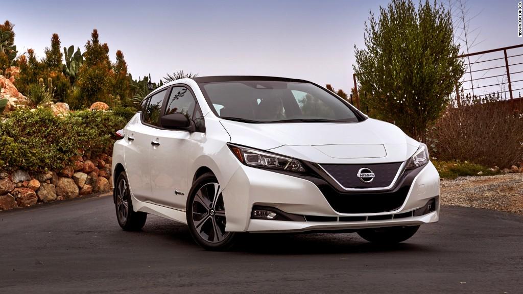 Nissan Unveils New Electric Leaf Model