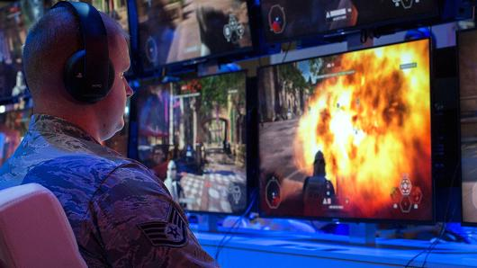 A man plays Star Wars Battlefront II on opening day of the Electronic Entertainment Expo (E3) at the Los Angeles Convention Center on June 13, 2017 in Los Angeles, California.