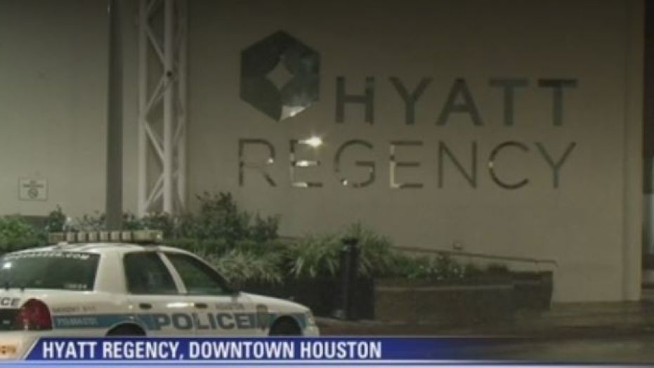 A man with a small arsenal of weapons was arrested by Houston police inside the Hyatt Regency Hotel in downtown Houston on Sunday morning.