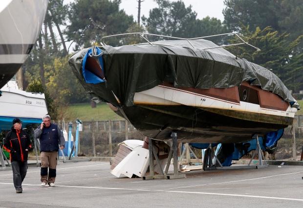 France Quiksilver Boat